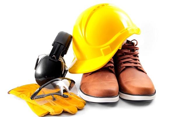 Đảm bảo an toàn lao động là ưu tiên hàng đầu khi sử dụng xe nâng người tự hành